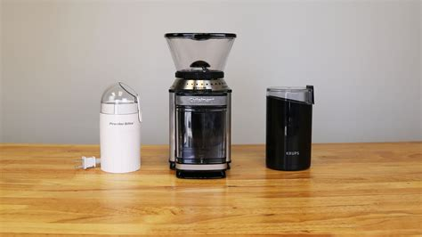A coffee grinder, as the name implies, grinds roasted coffee beans and prepares them for the this coffee grinder quickly grinds enough whole coffee beans to brew up to 12 cups of coffee! Best Rated in Coffee Grinders & Helpful Customer Reviews - Amazon.com