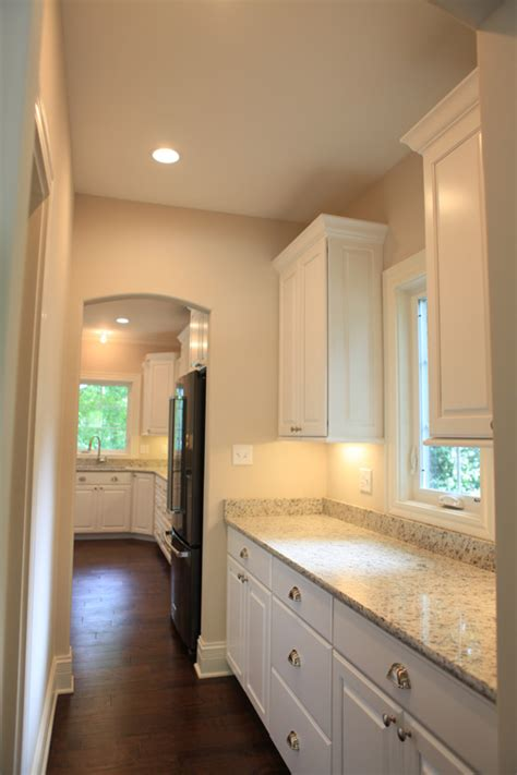 butlers pantry lewis homes llc