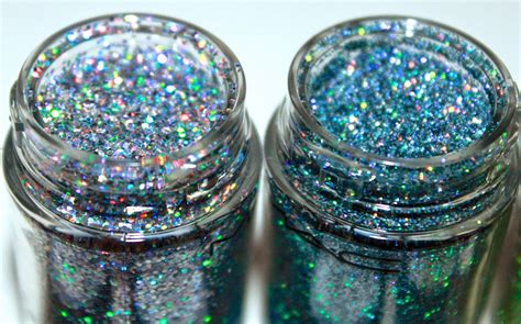 Diary Of A Makeup Geek Blog: New Release | MAC 3D Glitters | Review/Swatches