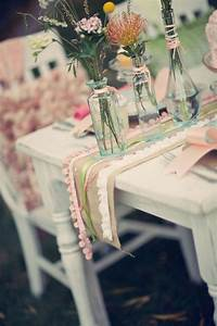 One pretty pin a shabby chic table chickabug for Shabby chic table decorations