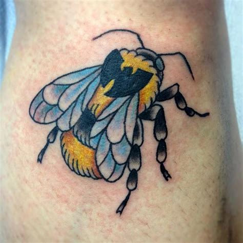36+ Traditional Bumblebee Tattoos Pictures