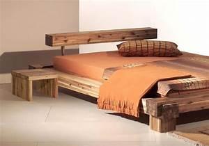 Lit Design Bois : lit en bois design maison pinterest lit en bois en bois et lits ~ Teatrodelosmanantiales.com Idées de Décoration