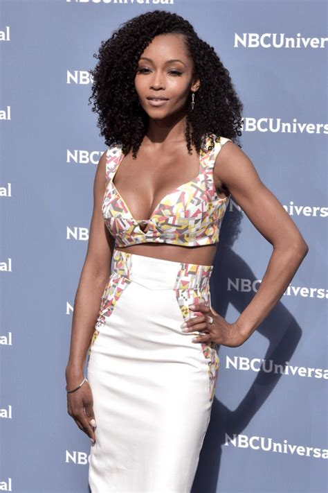 relaxed hair    afro yaya dacosta