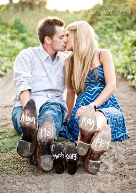 Cute Pregnancy Announcement Maternity Photo Idea Togally