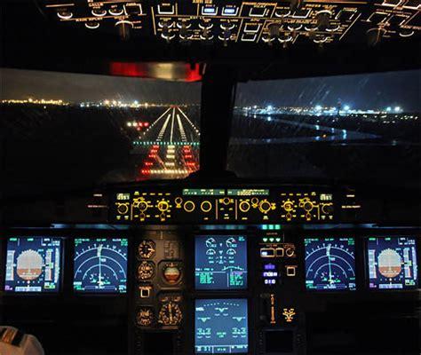 survive holiday air travel airline pilots secrets
