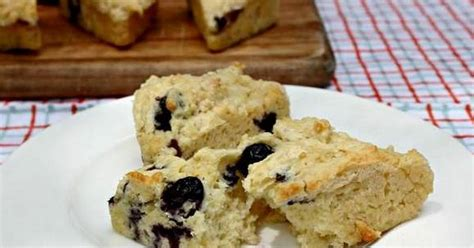 So you can enjoy this recipe for blueberry cobbler without ruining your diet. 10 Best Low Calorie Blueberry Dessert Recipes
