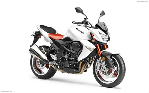 Kawasaki Z1000 Image by Kawasaki Z1000 Widescreen Bike Image 04 Of 22