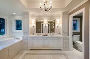 Kronleuchter Für Badezimmer : 67 tolle bilder von wandschrank f r badezimmer ~ Markanthonyermac.com Haus und Dekorationen