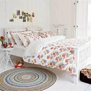 Sinnliche Bilder Fürs Schlafzimmer : bett im landhausstil coole vorschl ge ~ Bigdaddyawards.com Haus und Dekorationen