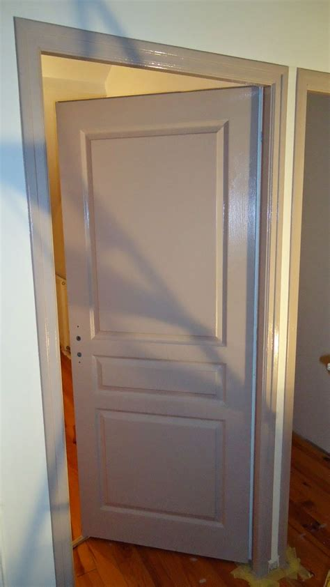 repeindre une chambre en 2 couleurs più di 25 fantastiche idee su peinture porte bois su