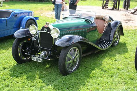 Bugatti has made some of the most coveted cars in history. automobileweb - bugatti type 55 reconstruction crosthwaite-gardiner