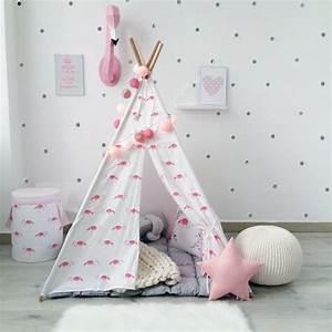 Tipi Petite Fille : flamant rose d co dans la chambre de fille pour une ambiance estivale ~ Teatrodelosmanantiales.com Idées de Décoration