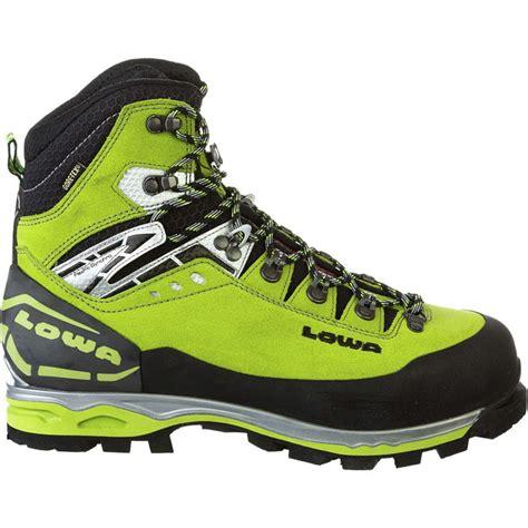 boys black hiking boots lowa mountain expert gtx evo boot 39 s backcountry com