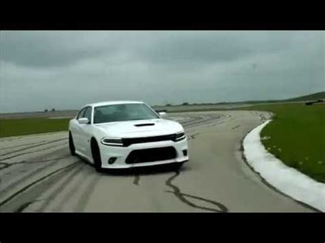 dodge charger hellcat srt scat pack high speed