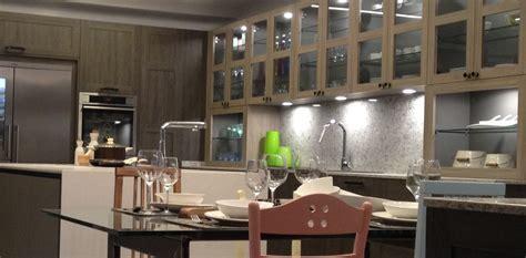 la iluminacion en cocinas modernas cocinas lola
