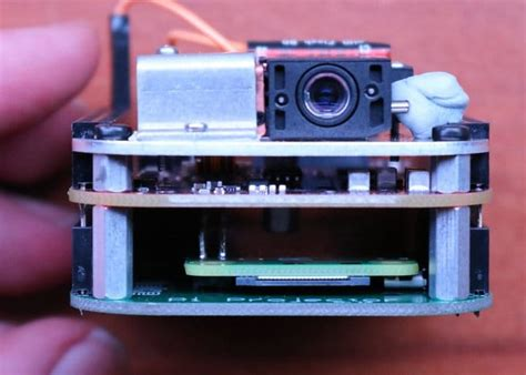 diy raspberry pi pocket projector project geeky gadgets