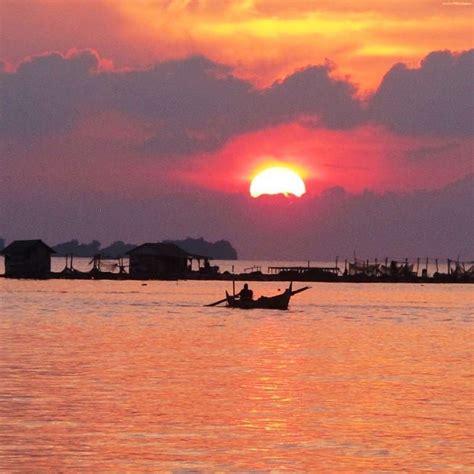 travel pantai semarang indonesia