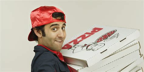 How Much Do People Usually Tip For A Pizza Delivery In