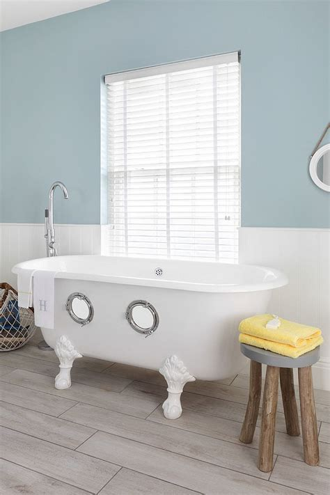 Themed Bathroom Images by Trendy Twist To A Timeless Color Scheme Bathrooms In Blue