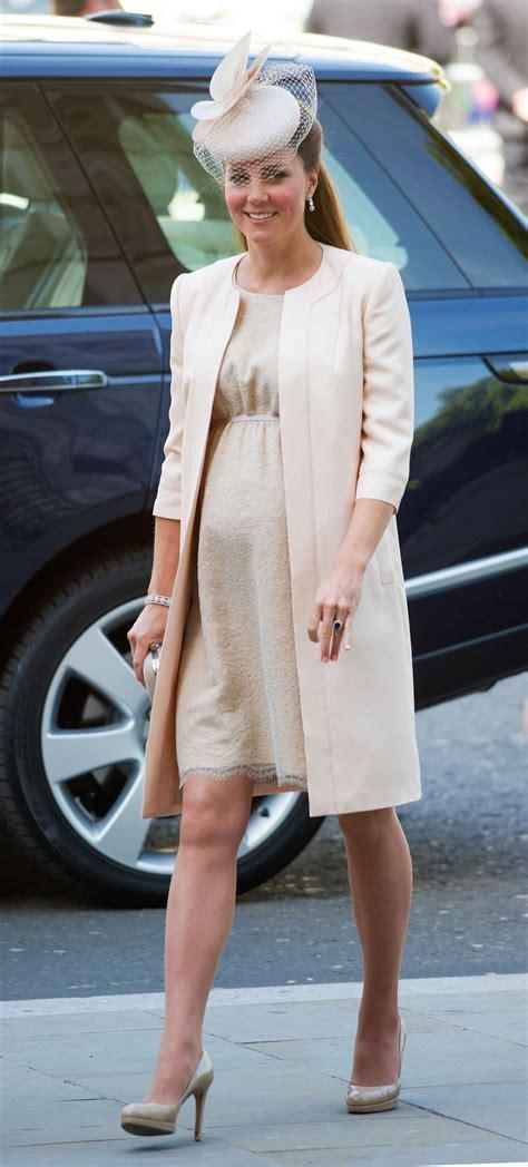 kate middletons top  pregnancy    regal