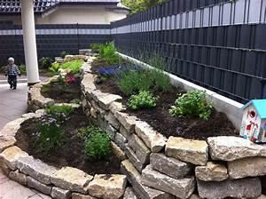 Hochbeet Im Garten : die 25 besten ideen zu hochbeet stein auf pinterest ~ Lizthompson.info Haus und Dekorationen