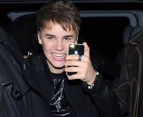 justin bieber phone which phone is better suited for justin bieber iphone or