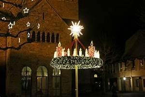 Weihnachtsbeleuchtung Außen Balkon : start mindener weihnachtsbeleuchtung adventskranz und ~ Michelbontemps.com Haus und Dekorationen