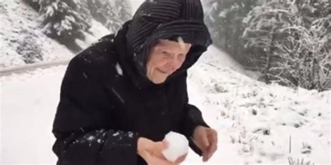 101-year-old Woman Playing In The Snow Will Make Your Day