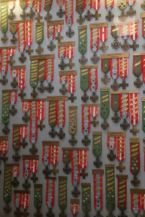Military Awards And Decorations Wikipedia