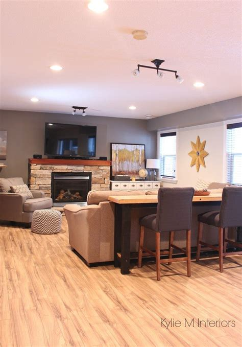 family room decorating  decor ideas  sectional