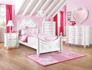 Disney princess collection bedroom set now available at for Disney princess bedroom set