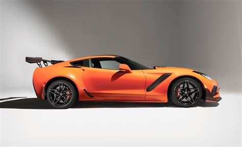 2019 Corvette Zr1 Goes 10.12 At 135 Mph Right From The Factory