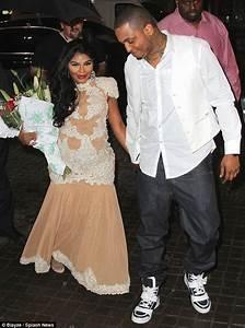 Lil' Kim toujours aussi sexy pour fêter l'arrivée de son bébé