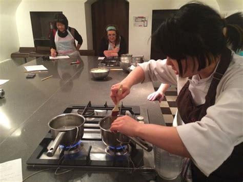 la cuisine cooking classes macaron decorating class picture of la cuisine