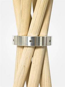 Design Kleiderständer Holz : detail metallring garderobenst nder aus holz coat ~ Michelbontemps.com Haus und Dekorationen