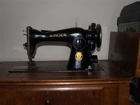 Antique Vintage Sewing Machines Bcquilter39s Weblog - Value Of Singer Sewing Machine In Cabinet - Veterinariancolleges