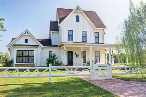fresh american style home iowa brick farmhouse search riha manor project