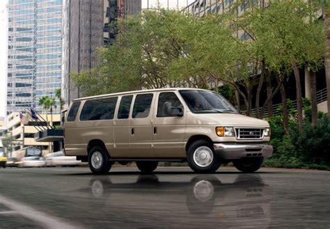 Photos of Ford E-350 2003–07 (800x600)