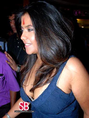 Ekta Kapoor Wardrobe Malfunction Photos In Hd Nudewoman