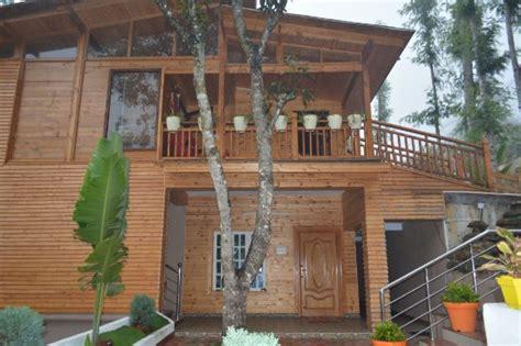 cottages in kodaikanal with kitchen serenewoods resorts cottages kodaikanal cottage 8414