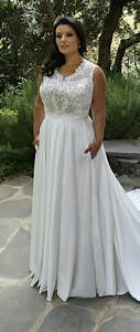 plus size fashionable wedding dress with lace bodice and With plus size wedding dress with pockets