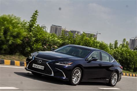 Lexus Es Backgrounds by Lexus Es300h Petrol Hybrid Review Gaadikey