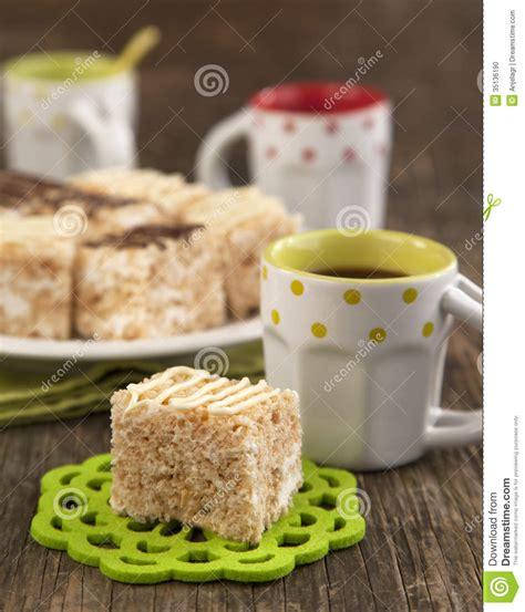 barre croustillante de dessert de riz de guimauve avec du chocolat photo stock image 35136190