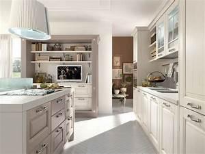 Cucina in legno con isola con maniglie laura cucina for Cucine lube sede centrale