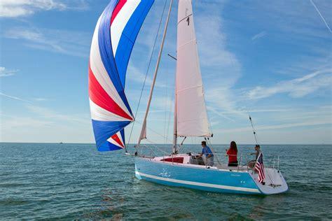 daysailers   feet boatscom