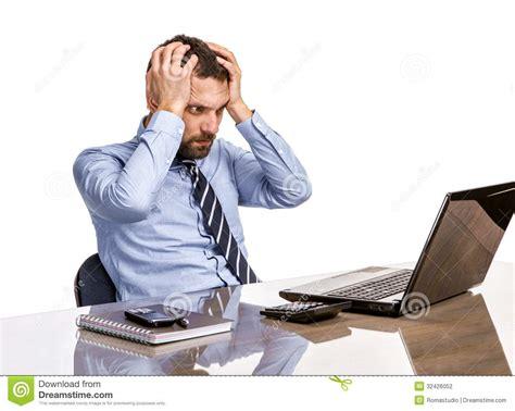 homme d affaires dans le bureau avec le de burn out au bureau photographie stock