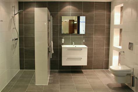 complete landelijke badkamers budget trendline badkamers