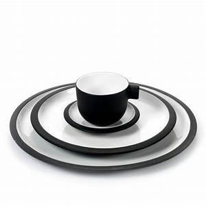 Geschirr Porzellan Weiß : geschirr set daily beginnings schwarz serax porzellan ~ Markanthonyermac.com Haus und Dekorationen