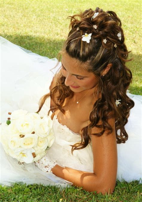 coiffure mariage boucle