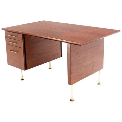 danish modern desk l walnut mid century danish modern desk for sale at 1stdibs
